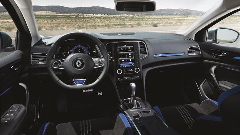 Renault MEGANE GT - view of front passenger compartment