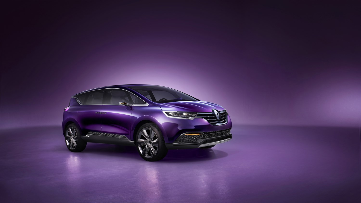 Renault INITIALE PARIS Concept - 3/4 front view of vehicle