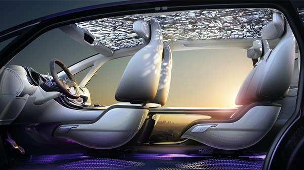 Renault INITIALE PARIS Concept - Interior view of cabin