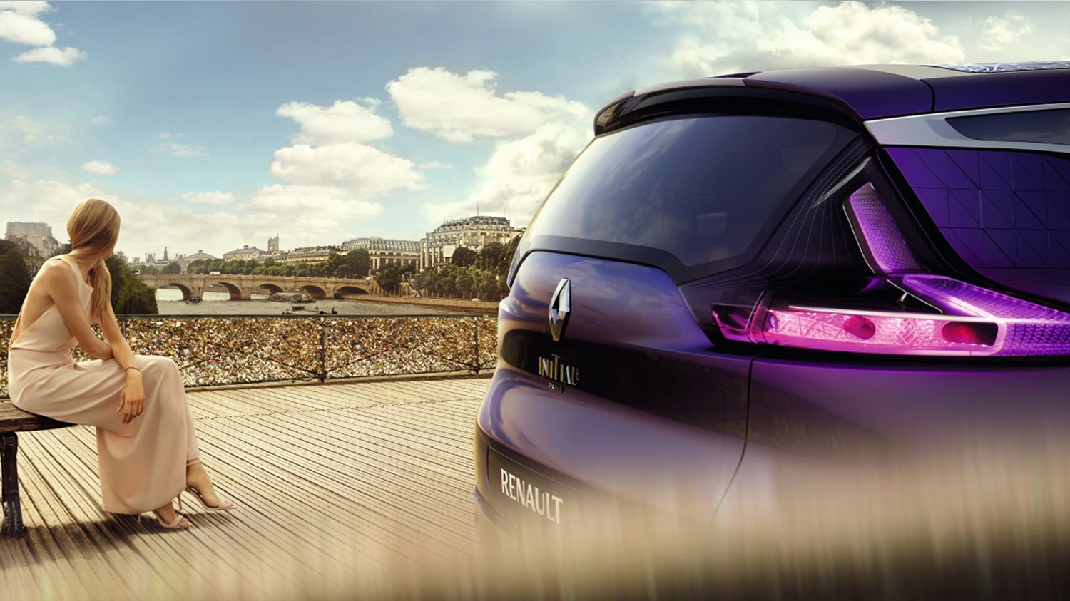 Renault INITIALE PARIS Concept - rear of vehicle pont des arts