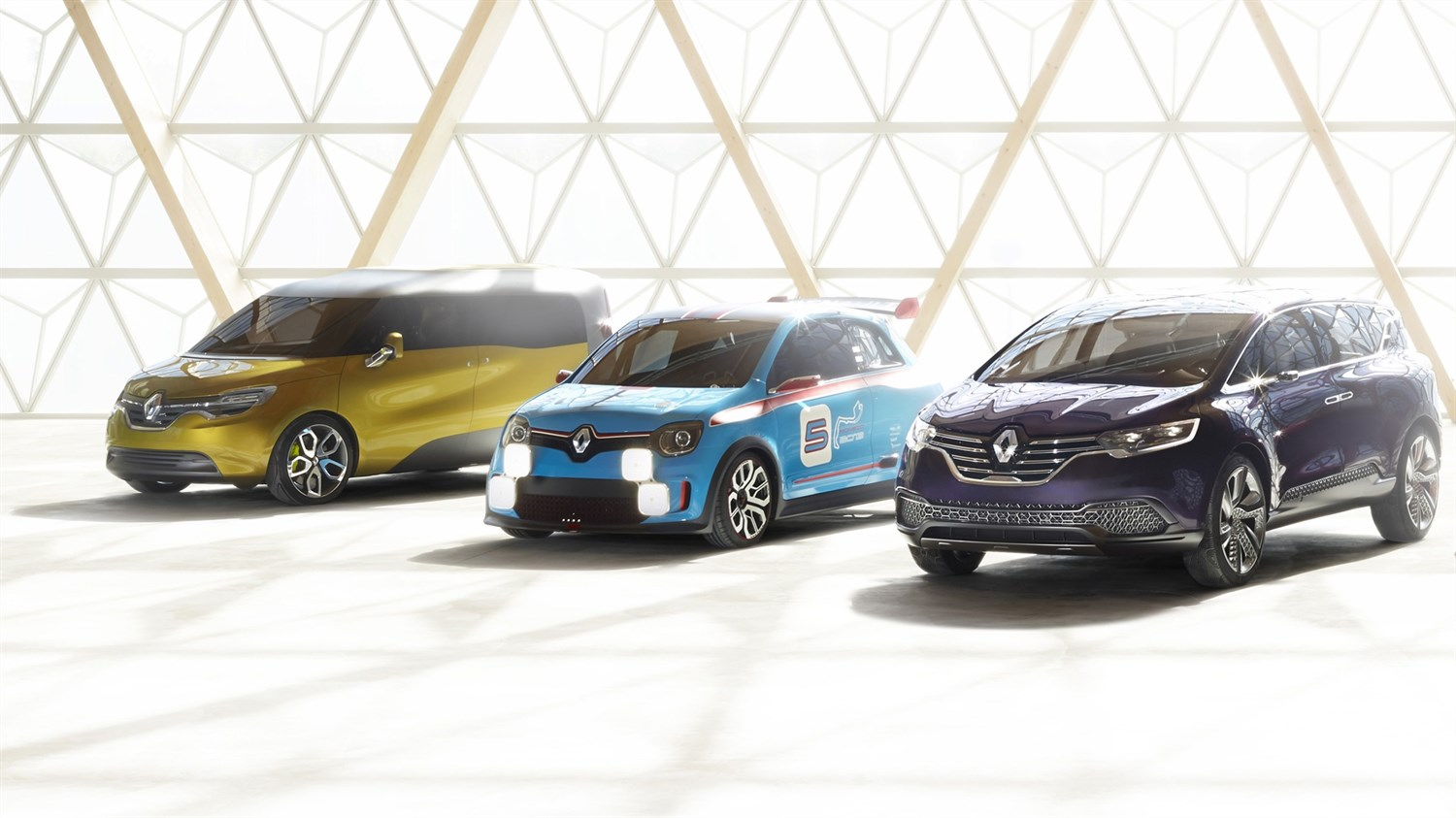 Renault - concept cars range - 3 vehicles 3/4 left front end view