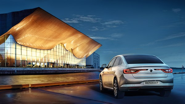 Renault TALISMAN - rear view